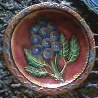 Plate with grapes